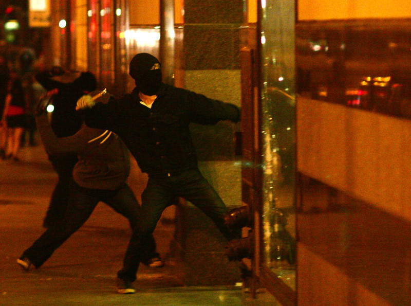 protesters march vandalize after not guilty verdict in George Zimmerman trial Oakland