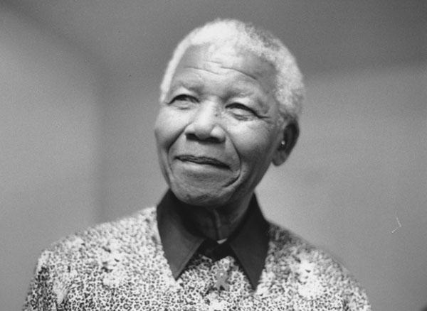 Nelson_Mandela_2000_5
